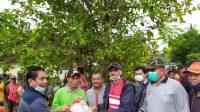Ini dilakukan Hendrajoni pada warga di Kecamatan Lengayang, terdampak banjir