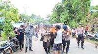 Seorang Pengungsi Meninggal Di Tenda Pengungsian, Dievakuasi Satbrimob Polda Sulawesi Selatan