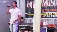 Pengusaha Mandiri Kaki Lima Ini Viral di Medsos, Usai Cover Lagu-lagu Bernuansa Melayu, Check Lagunya…