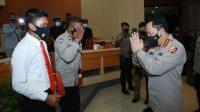 Kapolri Berikan Penghargaan Pada 2 Personel Polda Bali Berprestasi