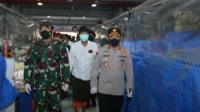 Panglima TNI Dan Kapolri Kelilingi Dua Pasar di Bali Dalam Rangka Penegakan Prokes