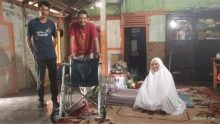 Lumpuh Pasca Gempa 2009, Yuniarti Warga Mahakarya Dibantu Kursi Roda