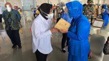 Pemerintah melalui Kementerian Sosial menyerahkan santunan kematian kepada ahli waris 53 awak KRI Nanggala 402_