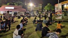 Operasi Yustisi : Pelaku Usaha Didenda, Ratusan Warga Diberi Wejangan Oleh Kapolresta Padang