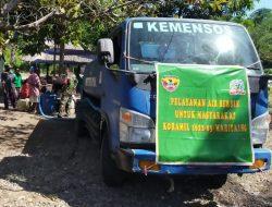 Koramil 03 Maritaing Bantu Distribusi Air Bersih Bagi Warga Maritaing