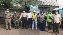 Pengawasan PPKM, Babinsa Bintaro bersama 3Pilar Razia Masker di Pasar Bintaro