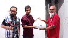 Owner JNE Ampang Darmawi Distribusikan Paket Lebaran Untuk Keluarga Besar AWII Prov Sumbar dan Masyarakat Sekitar