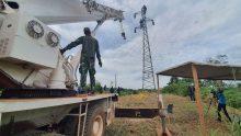 Ambruk Akibat Hujan Deras, Satgas Kizi XXXVII- G MINUSCA CAR Perbaiki Tower Listrik di Bangui, Afrika