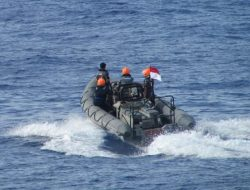 Mayday…Mayday… Mayday… TNI AL selamatkan warga negara asing usai terapung-apung selama 8 jam