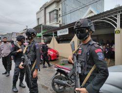Personel Batalyon C Pelopor Satbrimobda Sulsel Intensif Patroli Wilayah Bone di H +3 idul fitri