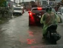 Sore Hujan Banyak Ruas Jalan di Pekanbaru Banjir..! Diduga Walikota Gagal Melindungi Warganya