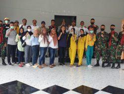 Satgas Yonif 734/Sns Laksanakan Khitanan Massal Bersama Tim Medis Tomalehu Seram Barat
