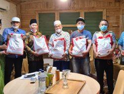 T. Rusli Ahmad Diamanahkan Salurkan Bantuan Sembako dari Presiden Joko Widodo