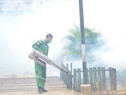 Antisipasi DBD, Asrama Kodim Tenggarong di Fogging