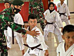 Yonif Raider 514/SY/9/2 Kostrad Mendukung Penyiapan Atlet INKAI Bondowoso