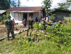 Satgas Yonif 734/SNS Pos Wakolo melaksanakan karya Bakti pembangunan Balai kerohanian di Desa Taniwel