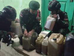 Lagi, Satgas Pamtas RI-RDTL Sektor Barat Yonarmed 6/3 Kostrad Gagalkan Usaha Penyelundupan BBM