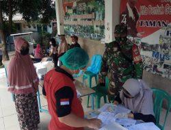 Babinsa Mustikajaya Lakukan Monitoring Pelaksanaan Swab Massal Antisipasi Penyebaran Covid-19