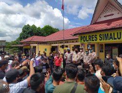 Aksi Gabungan Jurnalis Sambangi Kapolres Simalungun Penunjukan Sikap Dukungan Terhadap Polri Perihal Pembunuhan Marsal Harahap