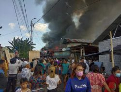 Si jago Merah, Membakar Puluhan Rumah, di Kompleks Pasartua Bitung Tengah