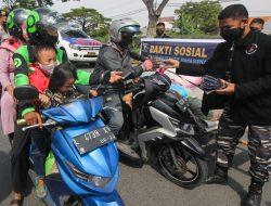 Badan Esekutif Mahasiswa STTAL Gelar Serbuan Masker & Hand Sanitizer ke Masyarakat Maritim Madura
