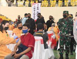 Tinjau Vaksinasi Merdeka Candi, Panglima TNI Target 1 Juta Per Hari