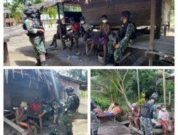 Melalui Pelayanan Kesehatan Door to Door, Satgas Yonif 512/QY Sosialisasi Prokes di Tapal Batas