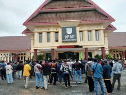 Pengamanan Aksi Unjuk Rasa Di Kantor DPRD Pangkep