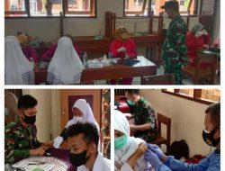 Kodim 0715/Kendal Gelar Vaksinasi Massal untuk Pelajar di SMK Muhammadiyah 3 Weleri.
