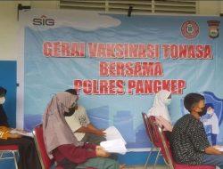 PT Semen Tonasa Bersama Polres Pangkep Laksanakan Vaksinasi Keliling di Sekolah Sekitar Perusahaan