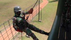 Personel Yonif MR 411 Kostrad Laksanakan Latihan Mountainering