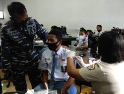 Percepat Proses Pembelajaran Tatap Muka,  Nakes TNI AL Lanal TBA Vaksin Siswa Sekolah SMKN 2 Kisaran